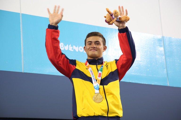 Daniel Restrepo oro en saltos