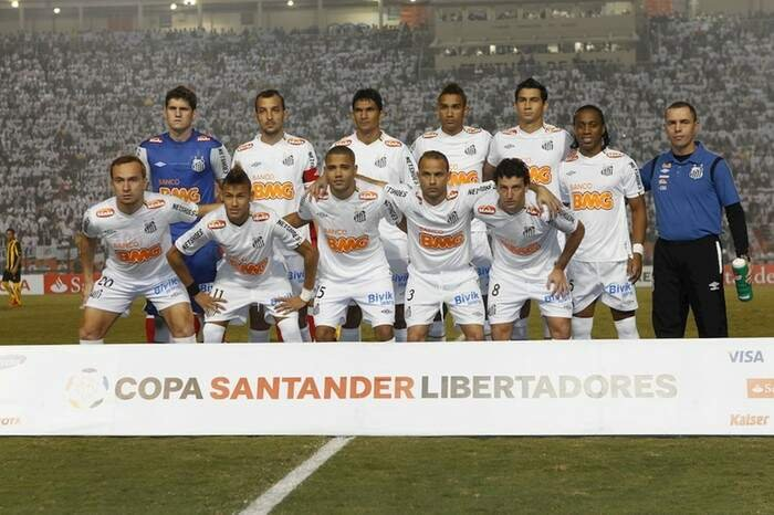 Santos campeón ante Peñarol en 2011.